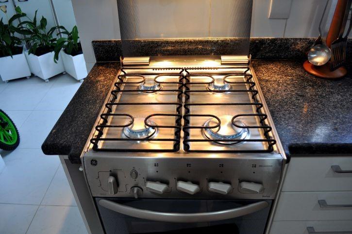 gas cooker installation in Addlestone